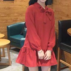 气质淑女 - 长袖蝴蝶结A字连衣裙