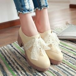 Sidewalk - Block Heel Lace-Up Shoes