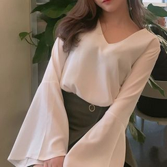 Dute - V-neck Bell-Sleeve Top