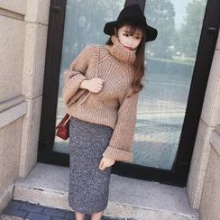 MUOVE - High Neck Chunky Knit Sweater