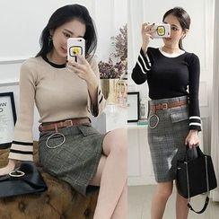 Seoul Fashion - Set: Contrast-Trim Knit Top + Plaid Mini Skirt with Belt