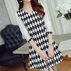 Q.C.T - Argyle Long-Sleeve Dress