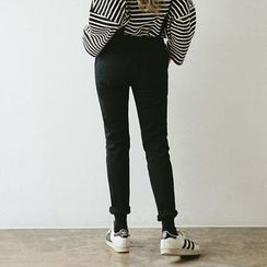 chuu - Kangaroo-Pocket Slim-Fit Jumper Pants