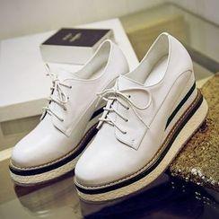 錦洋鞋業 - 厚底內增高繫帶鞋
