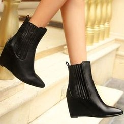 Romantina - Wedge Pointy Short Boots