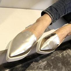 Mancienne - Shimmer Pointy-Toe Platform Slip-Ons