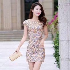 Neeya - 蓋袖繡花連衣裙