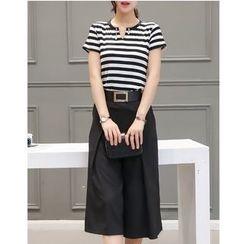 Dowisi - Set: Striped Short Sleeve T-Shirt + Capri Wide Leg Pants