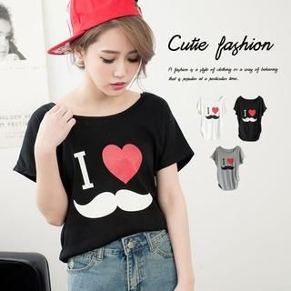 CUTIE FASHION - Mustache-Print Short-Sleeve Top
