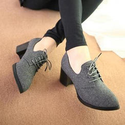 HotBoot - Lace-Up Heeled Oxfords