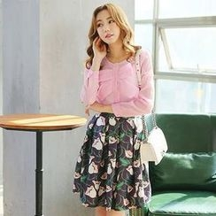 TANGYIZI - Set: Bow-Accent Top + Pleated Floral Skirt