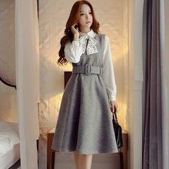 Dabuwawa - Sleeveless Buckled A-Line Dress