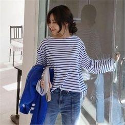 QNIGIRLS - Round-Neck Stripe T-Shirt