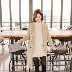 Seoul Fashion - Peaked-Lapel Double-Breasted Coat
