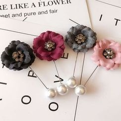 True Glam - Flower Brooch