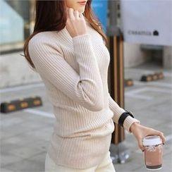 CHICFOX - Turtle-Neck Slim-Fit Sweater