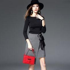 Dyder - 套装: 短款针织上衣 + 系带短裙