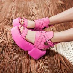 錦洋鞋業 - 真皮厚底涼鞋