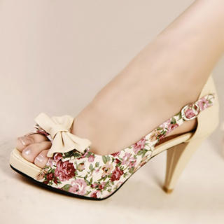 Peep-Toe Bow-Accent Floral Pumps