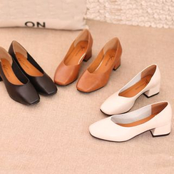 IYATO - Square-Toe Chunky-Heel Pumps