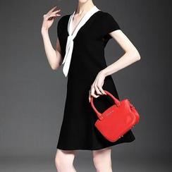 Alaroo - 盖袖领结带 A 字连衣裙