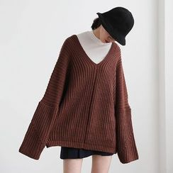 ELLY - V-Neck Oversized Chunky Knit Sweater