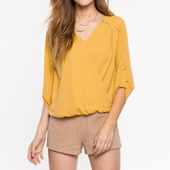 Richcoco - V-Neck 3/4 Sleeve Chiffon Blouse