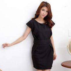 RingBear - Short-Sleeve Wool Dress With Sash