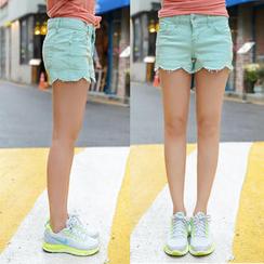 CLICK Scallop-Hem Shorts