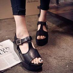 BAYO - Platform T-bar Sandals