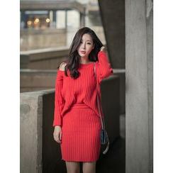 GUMZZI - Set: Cutaway-Shoulder Rib-Knit Sweater + Skirt