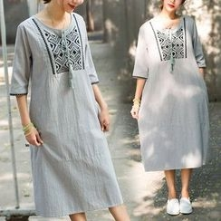 One2One - Embroidered 3/4-Sleeve Tunic