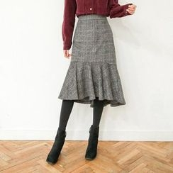 Seoul Fashion - Ruffle-Hem Plaid Midi Skirt