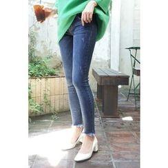 CHERRYKOKO - Fray-Hem Washed Skinny Jeans