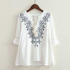 ninna nanna - Embroidered Tasseled Blouse