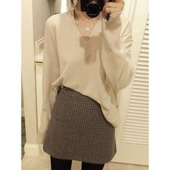 maybe-baby - V-Neck Wool Blend Knit Top