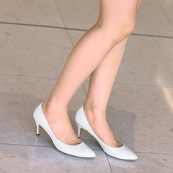 59th Street - Two-Tone Pointy Pumps