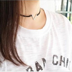 Ticoo - Chevron Choker Necklace