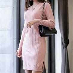 CHICLINE - Mock-Neck Ribbed Knit Dress