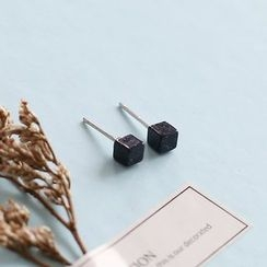 Love Generation - Cube Stud Earrings
