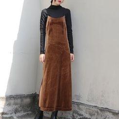 TAILO - Velvet Maxi Dress