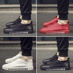 Araeo - 纯色轻便鞋