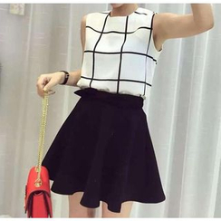 QZ Lady - Set: Sleeveless Top + Mini Skirt