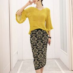 Romantica - Set: Elbow-Sleeve Knit Top + Patterned Skirt