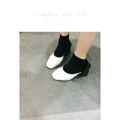 ATTYSTORY - Shirred Chunky-Heel Pumps
