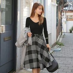 DABAGIRL - Plaid Midi Flare Skirt with Belt