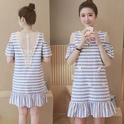 Ceres - 孕妇短袖镂空肩条纹连衣裙