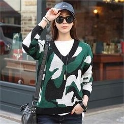 CHICFOX - V-Neck Camouflage Sweater