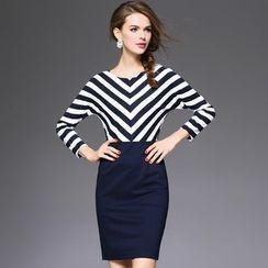 Ozipan - Long-Sleeve Stripe-Panel Dress