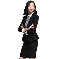 艾尚臣 - 一粒扣西裝 / 條紋襯衫 / 短裙